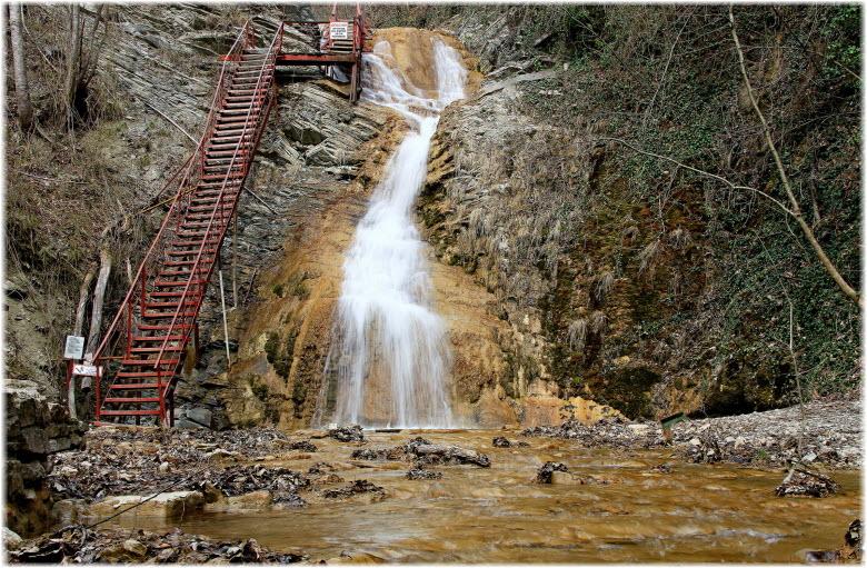 водопад Шнурок на фото
