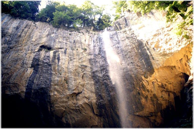Капустинский водопад в Никитино