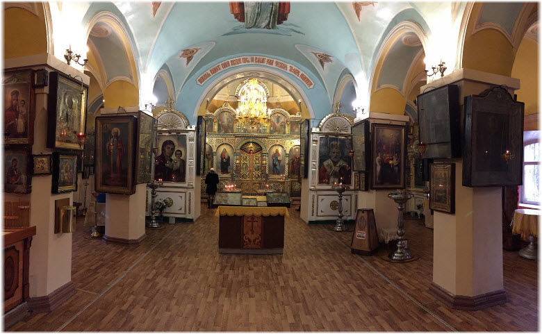 фото внутри кладбищенской церкви