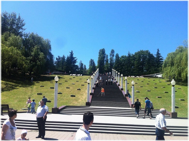 лестница к Завокзальному мемориалу