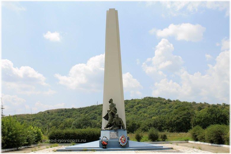 Памятник Непокоренные