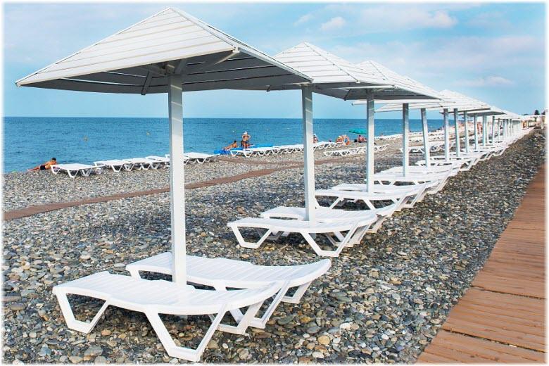 Пляж отеля «Бридж Резорт»