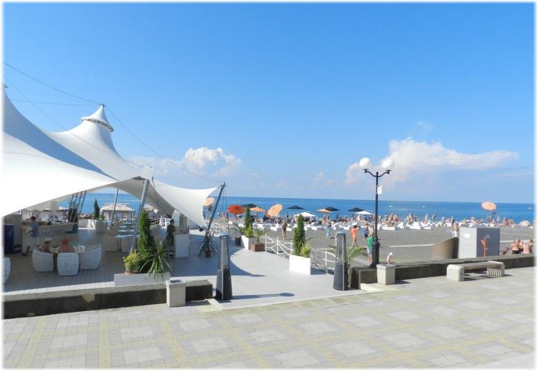 пляж у ТРЦ Мандарин