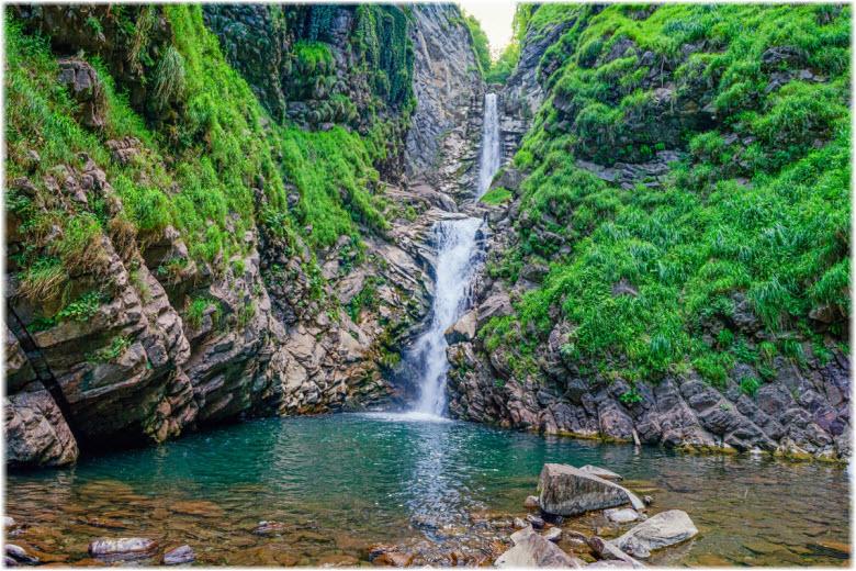 Водопад Безымянный в Сочи