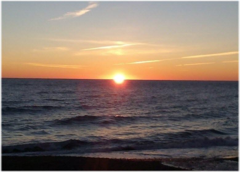 закат на море Чайки