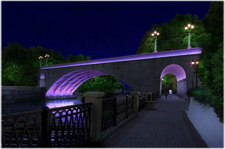 фото Ривьерского моста ночью