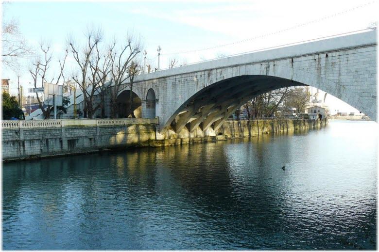 Ривьерский мост