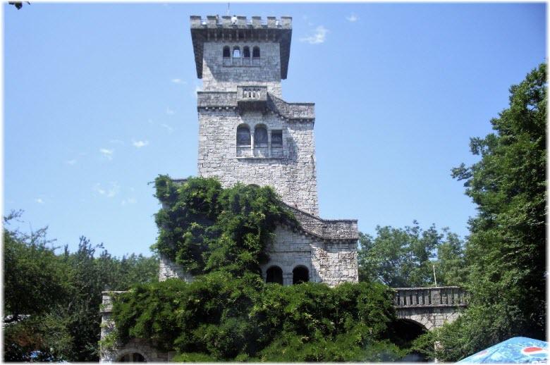 фото башни вблизи