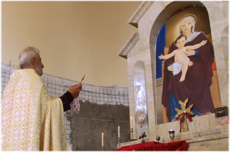 фото со службы в Церкви Григория Просветителя