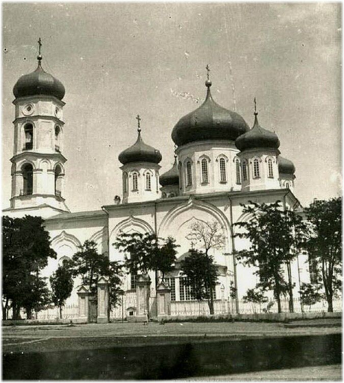 старое фото Михайловского собора