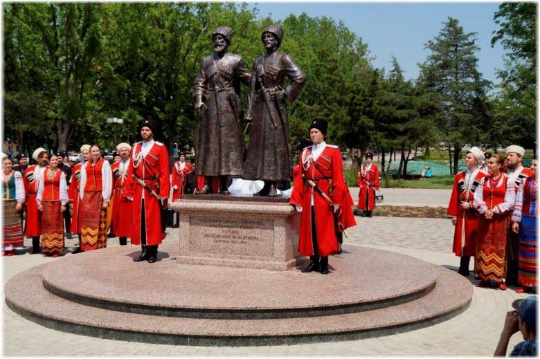 фото с открытия Памятника Героям Первой мировой