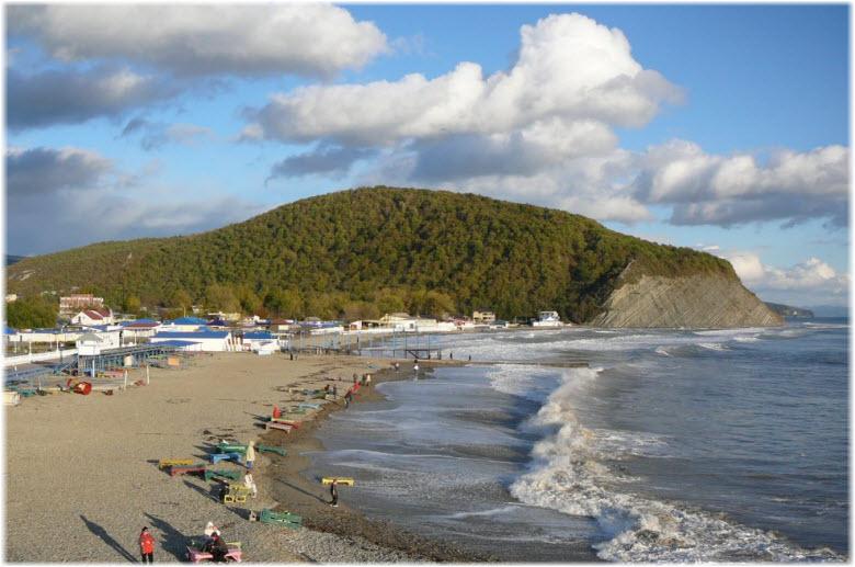 пляж у горы Ежик