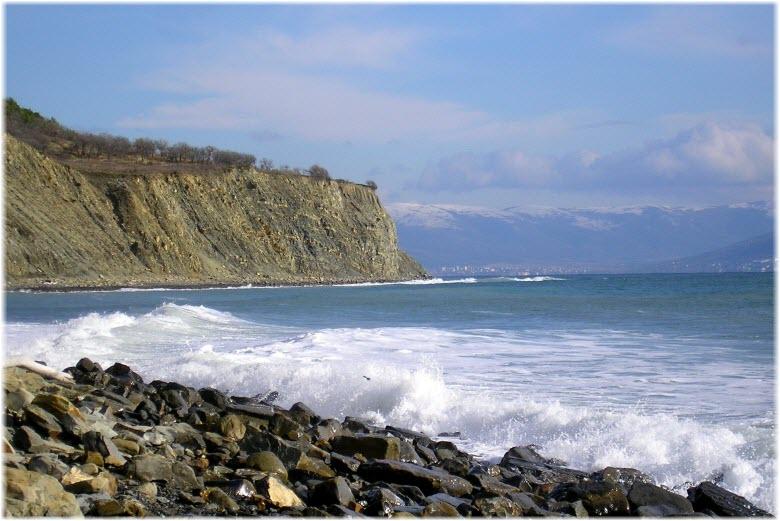 пляж восточнее санатория Майстренко