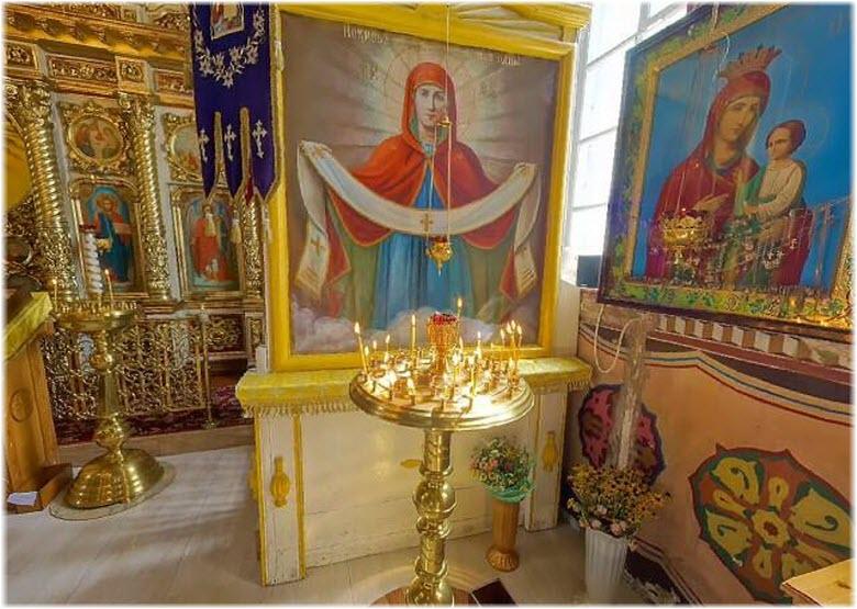 внутри храма Рождества Богоматери