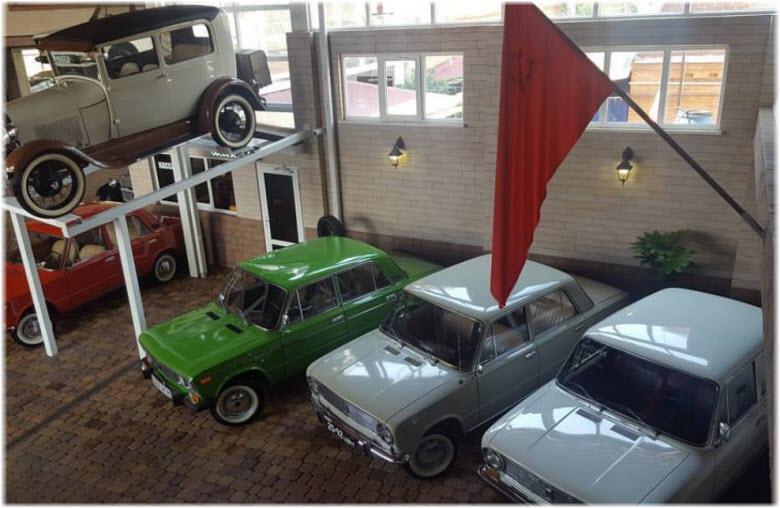 фото в музее ретро-авто