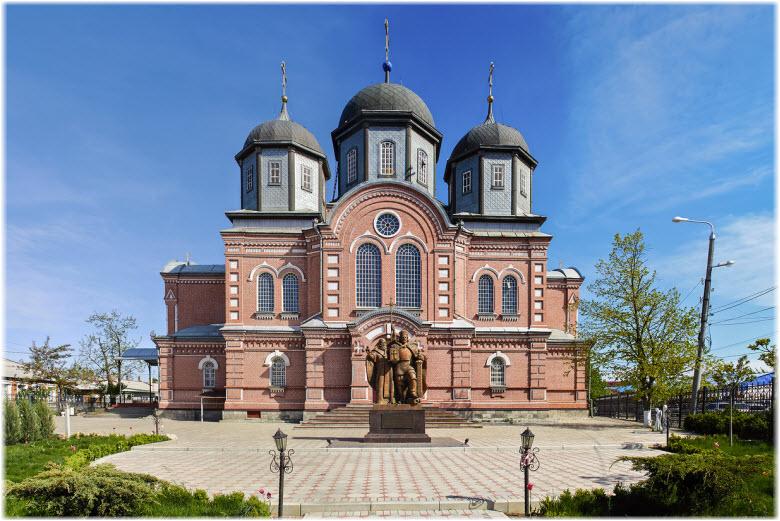 фото собора Пресвятой Богородицы в Кропоткине