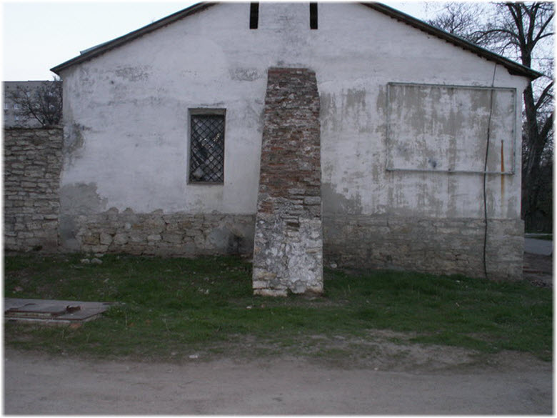 фото возле казарм