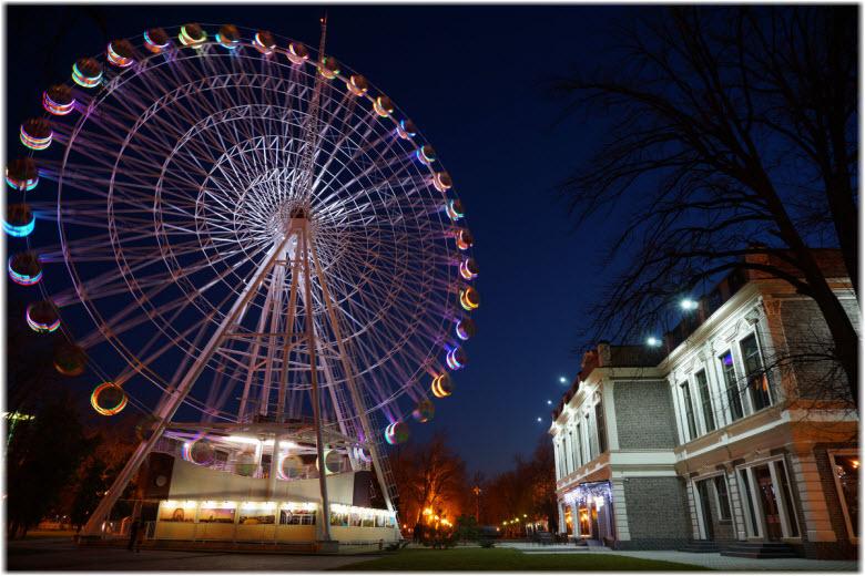 фото Чертового колеса ночью