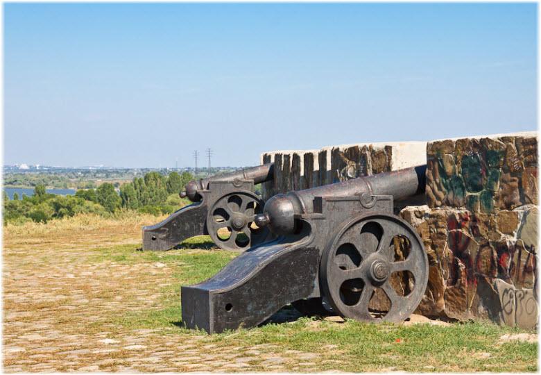 пушки в крепости Азов