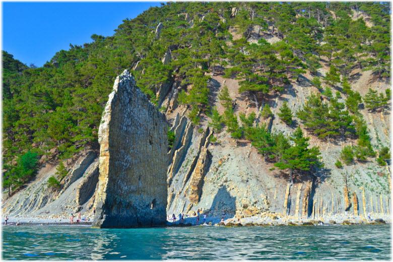 морские экскурсии у скалы Парус