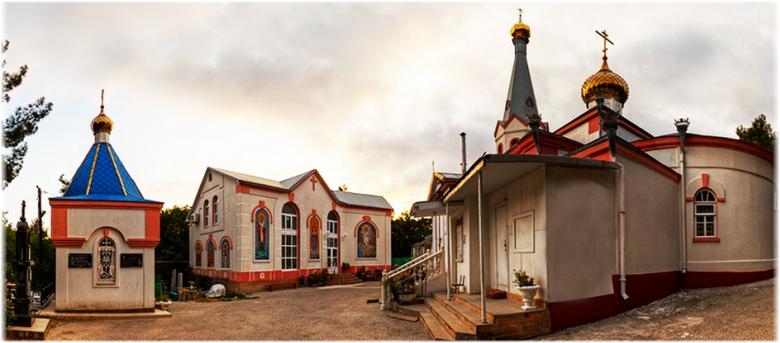 фото храма, школы и часовни