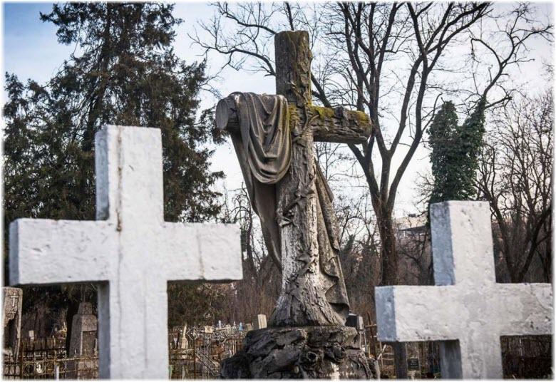 фото могил на Всесвятском кладбище