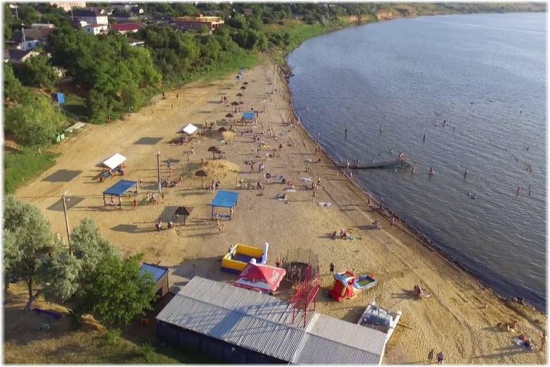 Центральный пляж Сенного