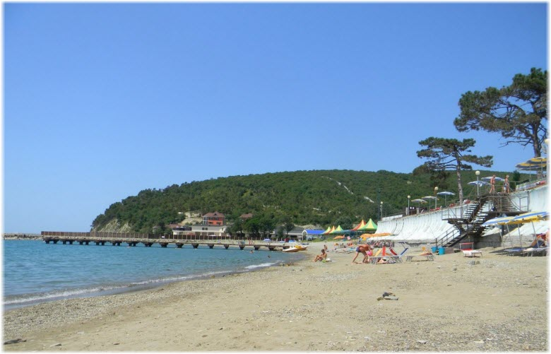 пляж в Голубой бухте