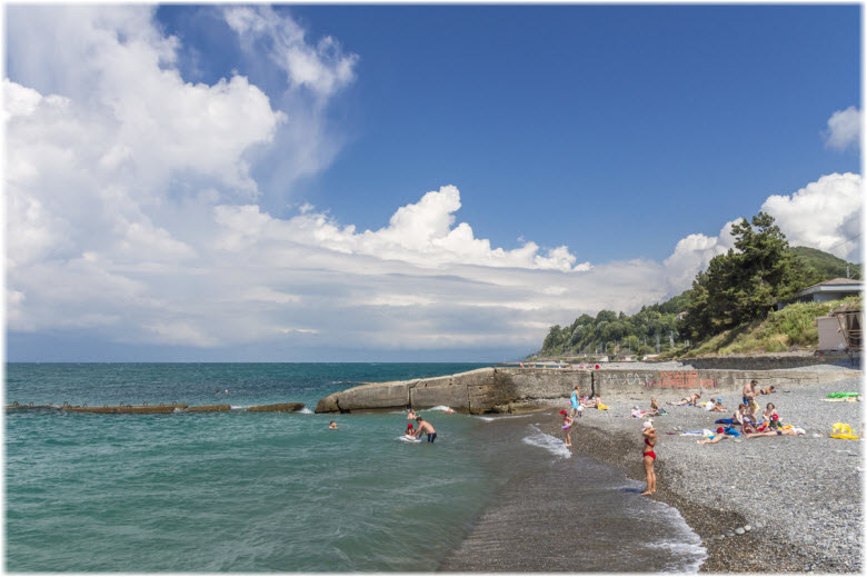 берег моря в Головинке