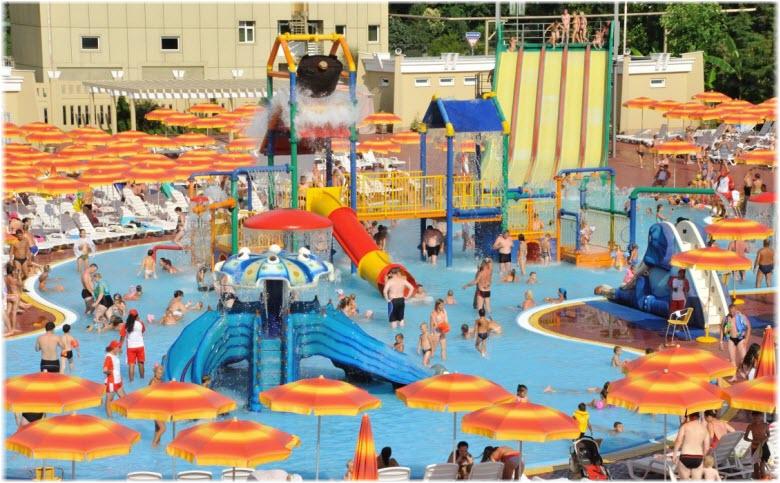главный бассейн аквапарка