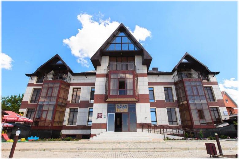 отель Тропикана в Приморско-Ахтарске