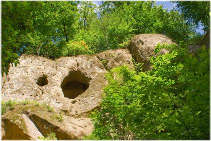Богатырские пещеры в Горячем Ключе