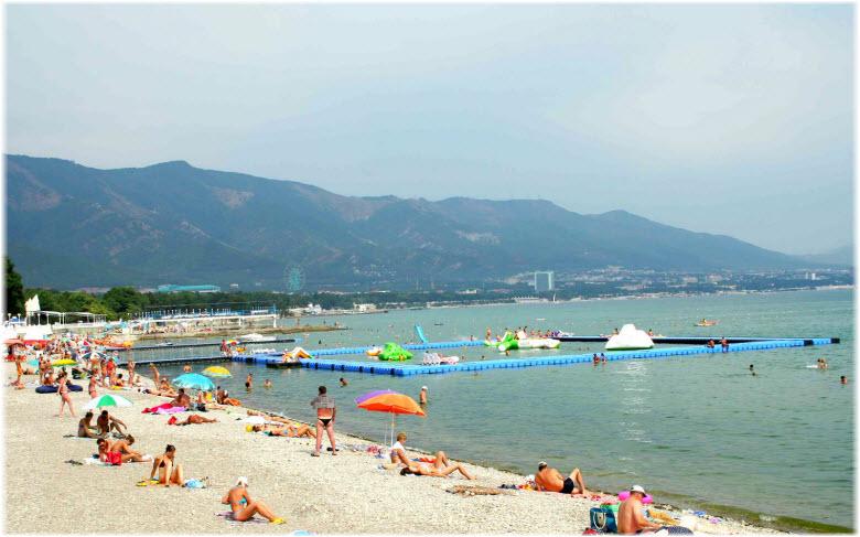 панорама пляжа Голубой волны