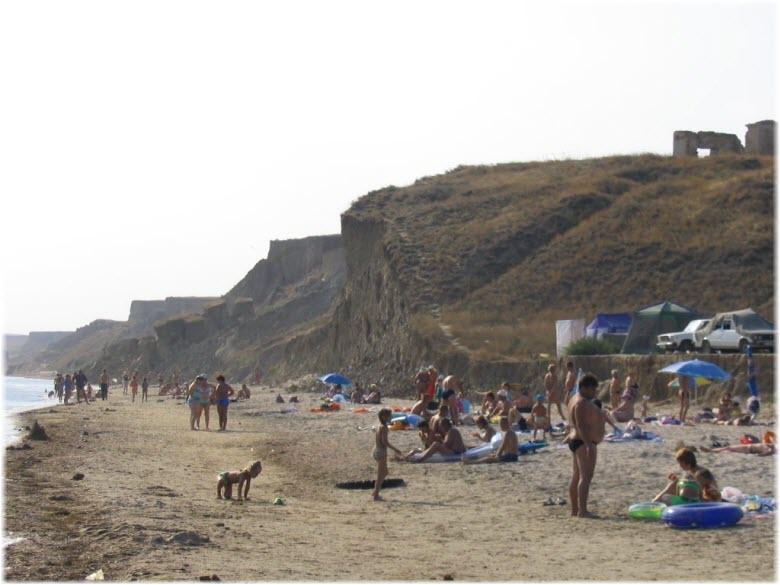 Центральный пляж в Волне