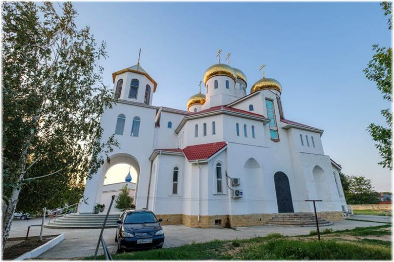 фото Витязевской церкви вблизи