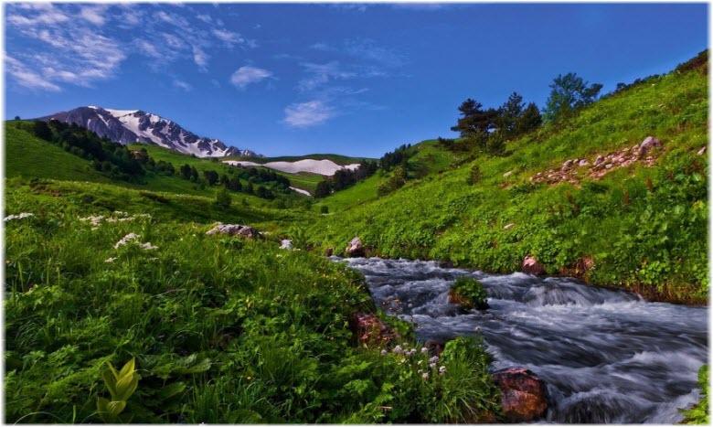 река Цице у горы Оштен