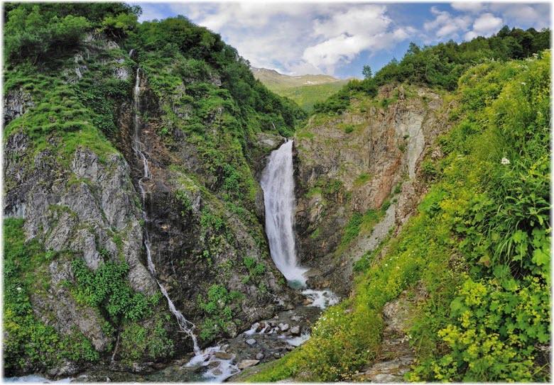 водопад реки Березовая