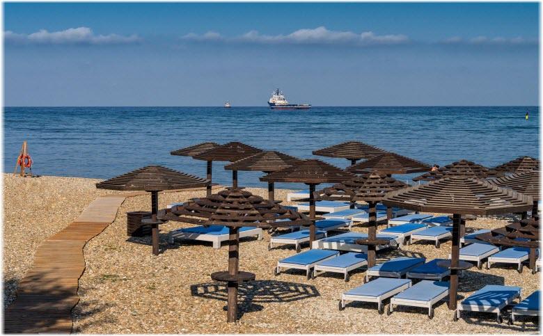 фото пляжа Золотая бухта