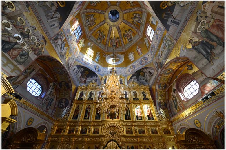 фото внутри Троицкой церкви