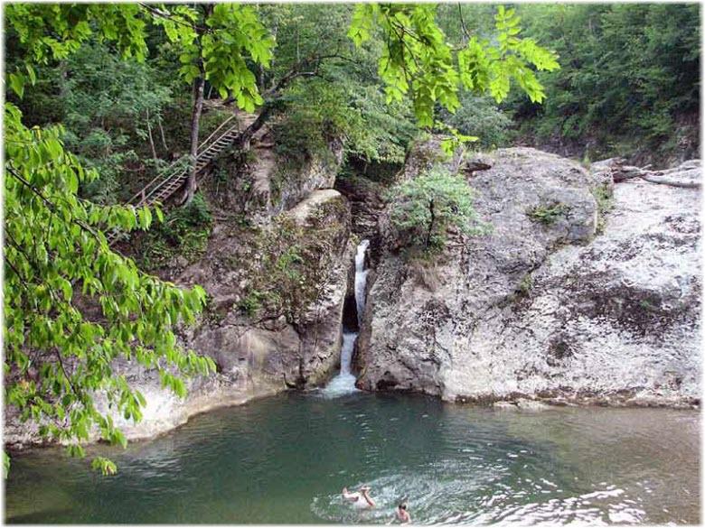 фото Сахрайских водопадов