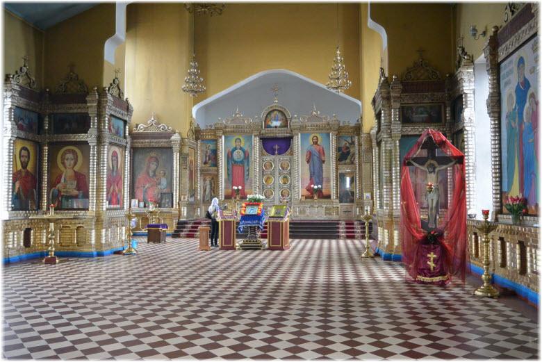 фото внутри Иоанно-Богословского храма