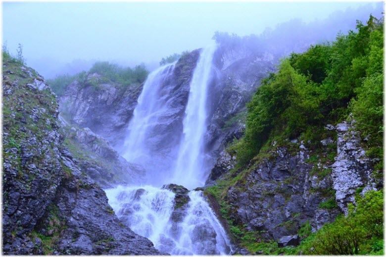 фото водопада Поликаря вблизи