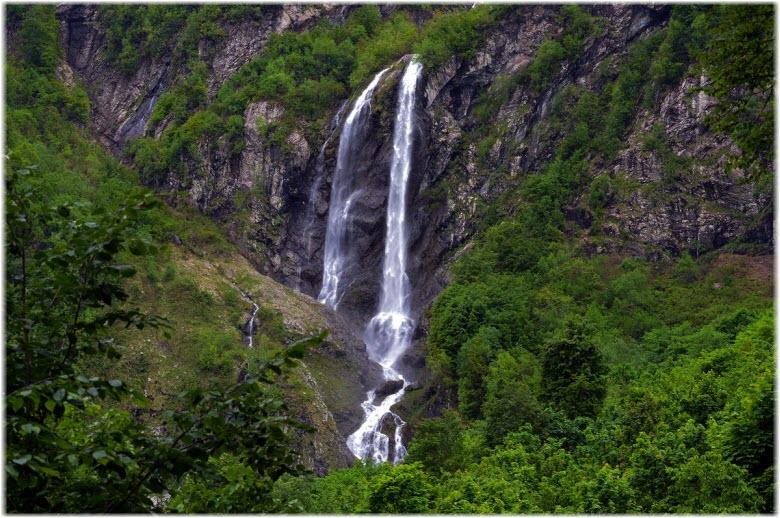 фото водопада Поликаря