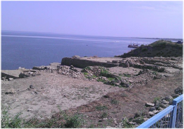 пляж у Гермонассы
